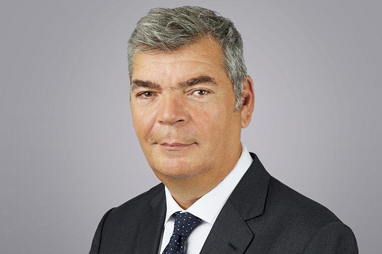 Alastair Hughes Board of Directors Headshot